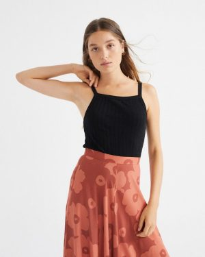 top-tras-aster-negro (5)